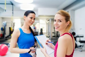 ćwiczyć regularnie